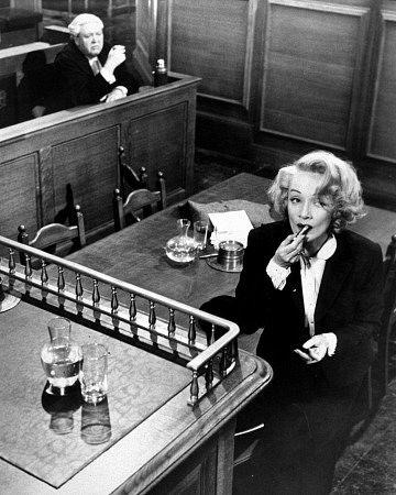 testigo de cargo cigarro